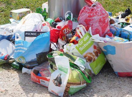 Cassazione: il reato di gestione di rifiuti non autorizzata si applica anche ai responsabili delle associazioni non lucrative